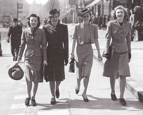 fashion for female workers during WWII