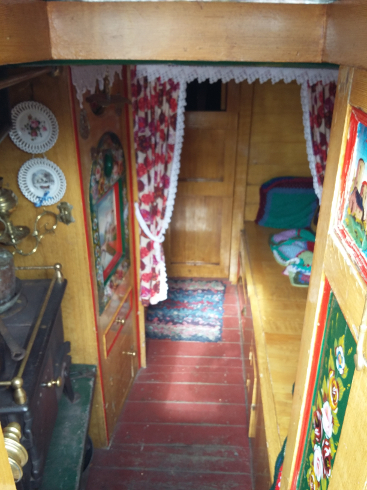 narrowboat-cabin-sm